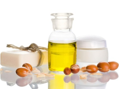Pure Argan oil is a yellow colour