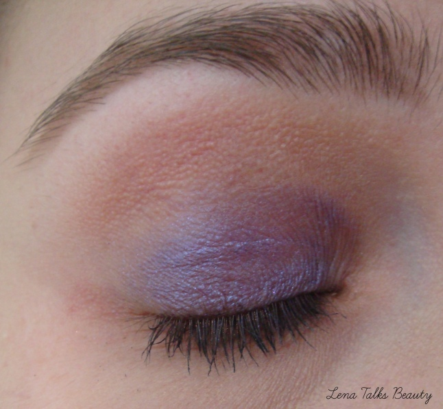 Maybelline Color Tattoo Pure Pigments Potent Purple on lid